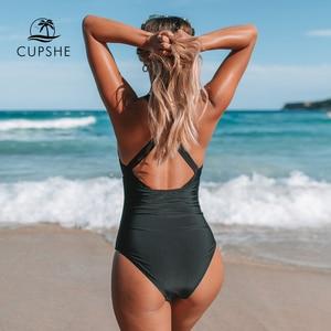 Image 2 - CUPSHE 흑인과 백인 깅엄 Ruched 원피스 수영복 여자 섹시한 다시 크로스 Monokini 2020 여자 비치 수영복
