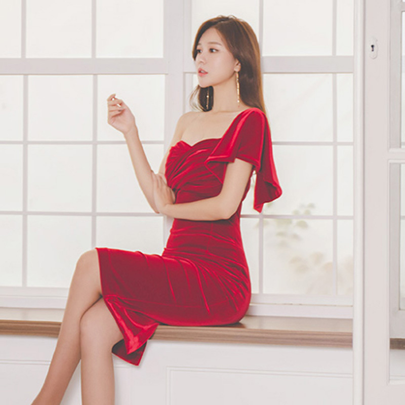 Red Dress For Toast Host Annual General Meeting Formal Dress Women's Spring And Autumn Exposed Shoulder Dress Elegant Banquet Pa
