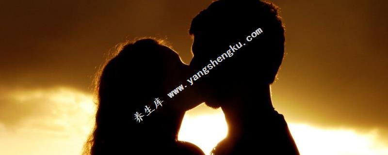 戀人之間年齡差幾歲愛情最長久?男大女小最長久