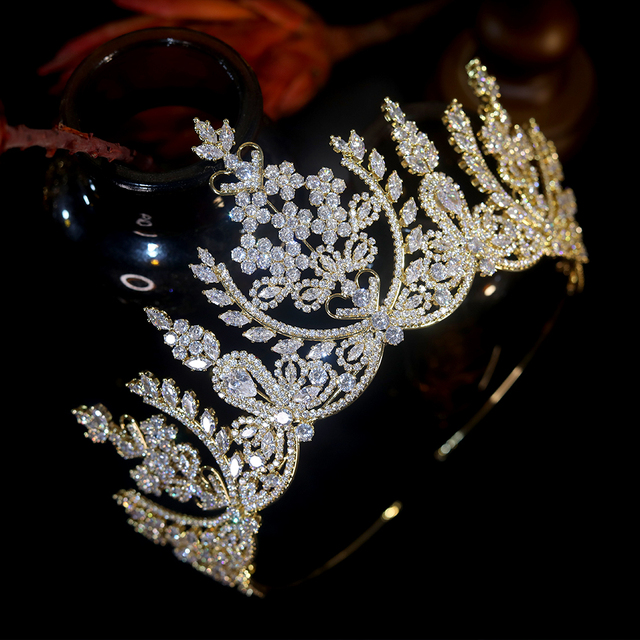 European-Style Crystal Crown Temperament Elegant Queen Crown Headdress Bridal Crown Hand Set CZ Headdress Wedding Headdress