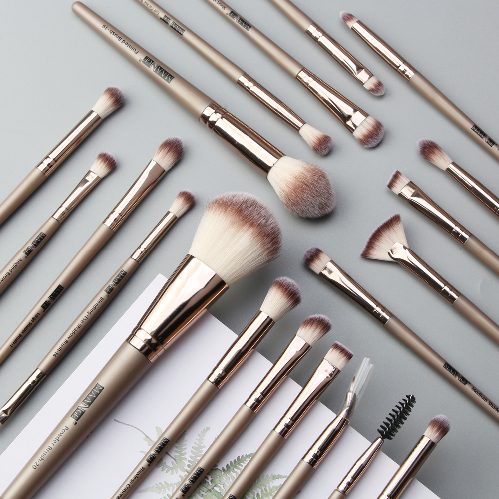 20pcs professional makeup brush set blush eyeshadow liquid foundation brush wooden handle synthetic hair soft makeup tools