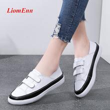 Кожаный ремешок белый циферблат кроссовки; Женские туфли на
