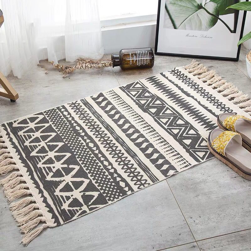 Hot Retro Bohemian Hand Woven Cotton Linen Carpet Rug  Bedside Rug Geometric Floor Mat Living Room Bedroom Carpet Home Decor