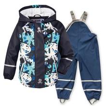 春、夏と秋の新子供のpuレザーポンチョレインコート防水防風