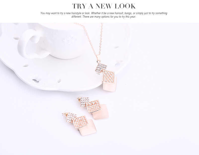 Kalung Anting-Anting Set untuk Wanita dengan Kristal Fashion Mewah Romantis Pernikahan Pesta Ulang Tahun Valentine Hari Hadiah Perhiasan