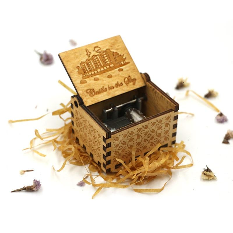 Старинная Музыкальная шкатулка с ручной резьбой по дереву в качестве подарка на день рождения и Рождество для вас и ваших друзей - Цвет: Castle Inthe Sky