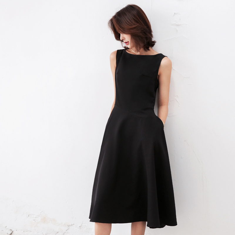 Casual Fit And Flare A Line Dress Women Solid Black Straps Sleeveless Christmas Party Dresses Vestido De Festa Female Clothing