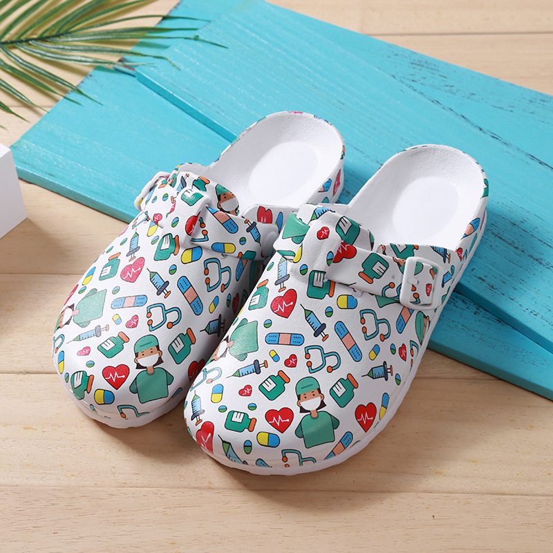 Women's Medical Nurse Slippers EVA  Laboratory Doctor Clogs Flat Cartoon Printed Operating Work Shoes Non-slip Clean Nurse Clogs
