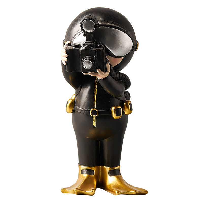 European Modern Diver Statue Creative Resin Character Sculpture Ornament Room Desktop Decoration Home Decoration Accessories