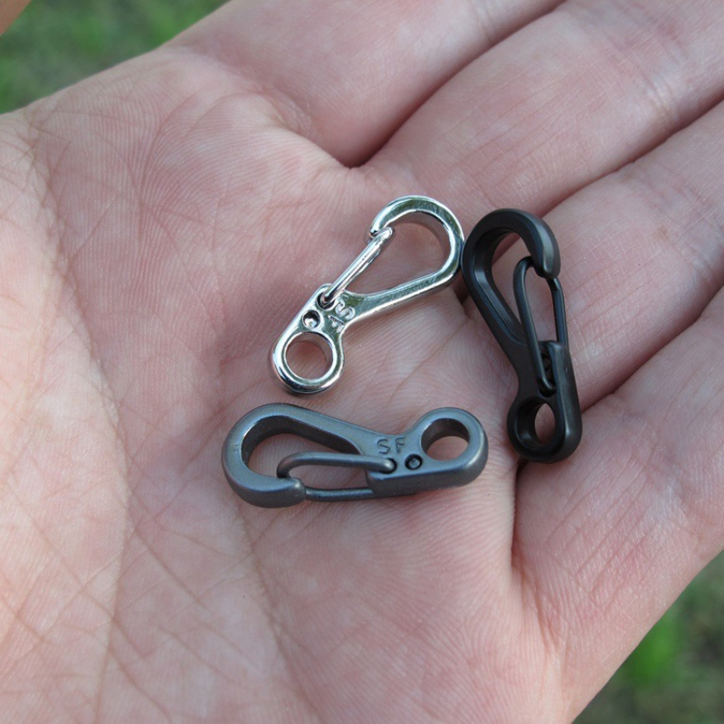 Outdoor New Mini-type Alloy Keychain Keyrings Carabiner Metal Hanging Buckle Snap Spring Clips Hook Camping Hiking Keychain Clip