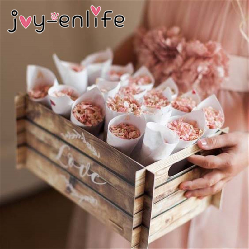 200pcs Wedding decorative White Round Lace Paper Biscuit Candy Wrapper cone Cake Placemats Birthday Party Baby Shower Decoration