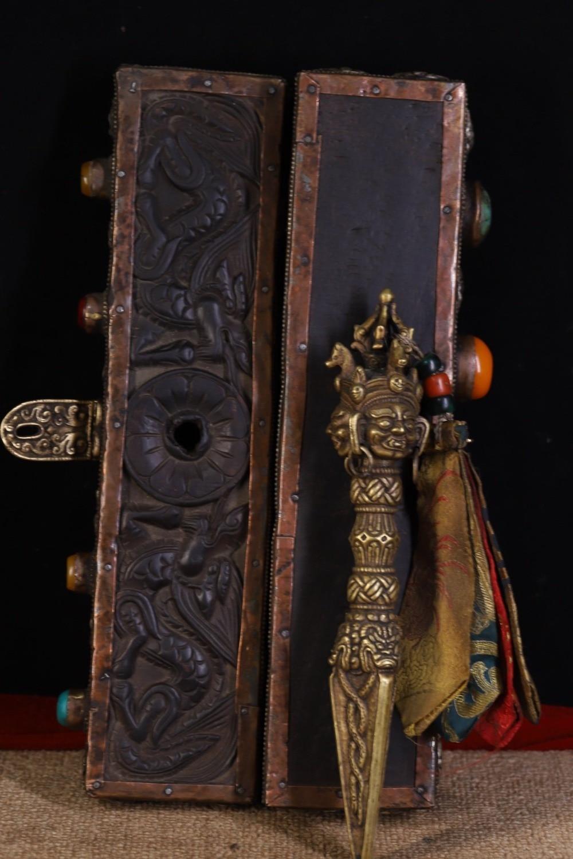 Mosteiro tibetano bronzes bater e cinzel antigos
