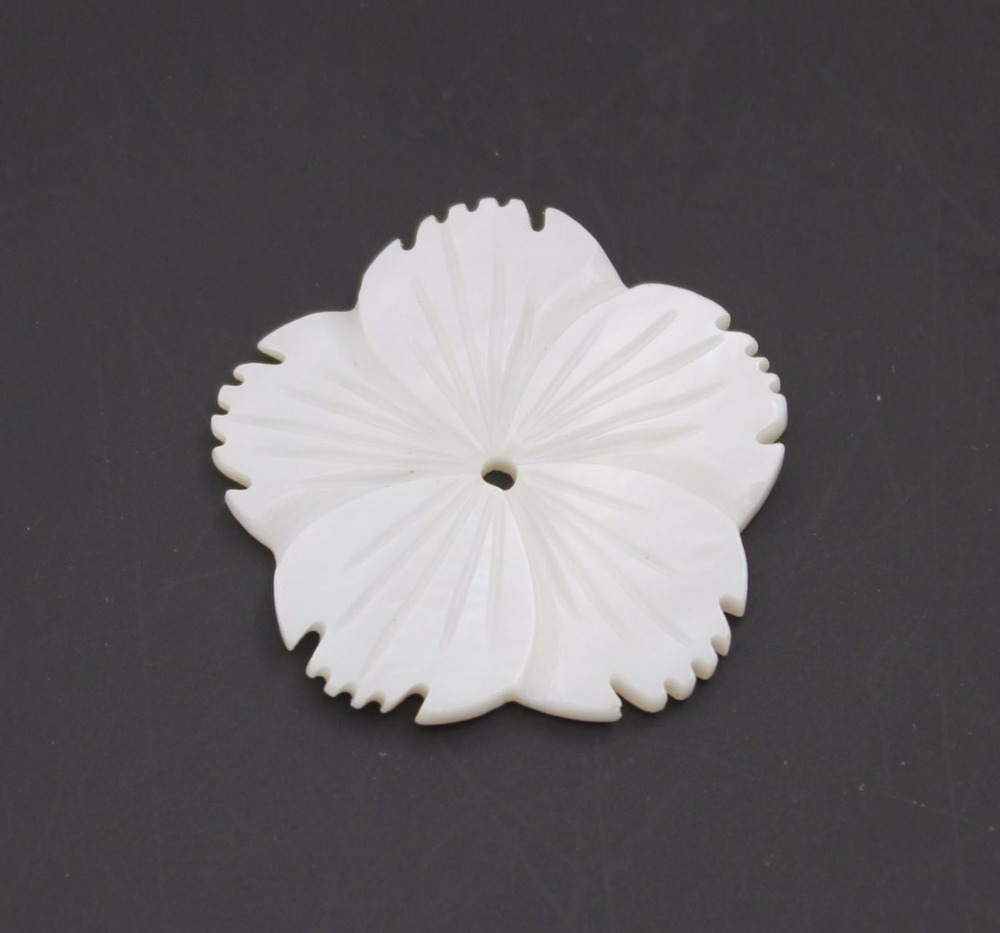 Купить с кэшбэком 10PCS 28mm Flower Natural White Mother of Pearl Shell Jewelry Making Charms
