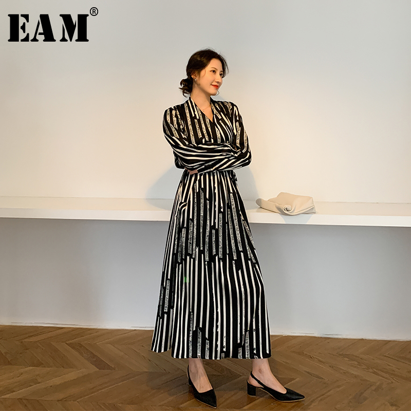 [EAM] Women Black Striped Bandage Long Chiffon Dress New V-Neck Long Sleeve Loose Fit Fashion Tide Spring Summer 2020 1W497