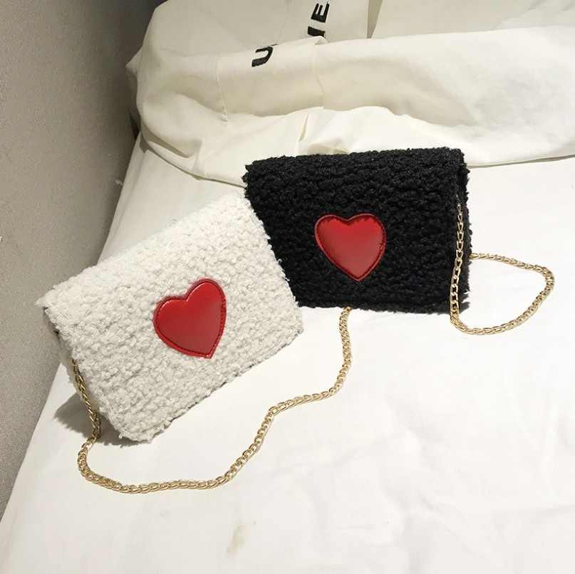 Плюшевая женская черная маленькая квадратная сумка дикая сумка через плечо волнистая простая модная цепь Осень-Зима 3 цвета