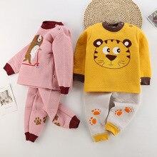 Осень-зима детская мягкая одежда для маленьких мальчиков с персонажами из мультфильмов Штаны с высокой посадкой футболка брюки 2 шт./компл. Одежда для маленьких детей комплект одежды для детей