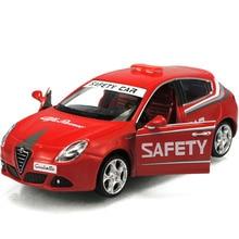 1/32 Skala Merah Klasik Logam Alloy Mobil Simulasi Tinggi Alfa Romeo Safety Sport Model Mobil Diecast Kendaraan Dekorasi Rumah Mainan