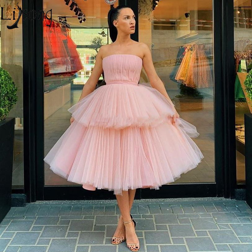 Pink Tiered Ball Gown Short Prom Dresses Strapless Ruffles Cheap Formal Dress Knee Length Tulle Evening Gowns Robe De Soiree