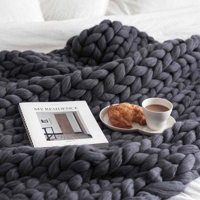 Dropshipping Merino Wool Chunky Knitted Blanket Winter Thick Yarn Bulky Knitting Blankets Handmade Large Big Sofa Bed Blanket
