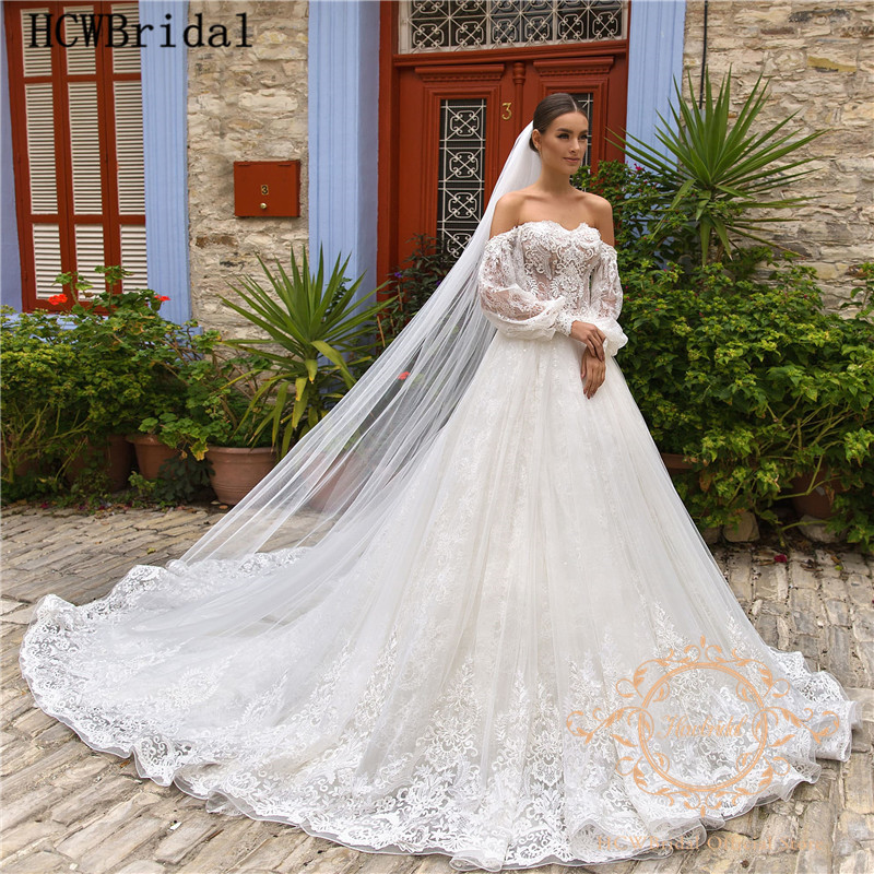 Dubai Luxury Lace Wedding Dresses With Long Veil New Arrival Off The Shoulder Long Sleeves Princess Bridal Gowns Customize