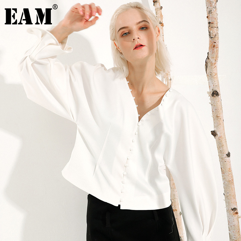 [EAM] Women White Brief Temperament Blouse New V-collar Long Lantern Sleeve Loose Fit Shirt Fashion Tide Spring Autumn 2020 S033