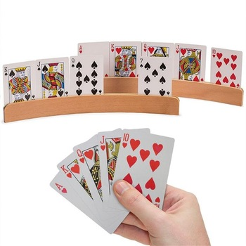 33*3 5cm karty do gry uchwyt drewna pokera siedzenia karty do gry stojak na karty posiadacze bezprzewodowy pokera posiadacze karty do gry stojak na karty organizuje tanie i dobre opinie CN (pochodzenie) 5-7 lat Dorośli 14 lat i więcej 8 ~ 13 Lat Zawodów Playing Card Holder USA certyfikat (UL) Europa certyfikat (CE)