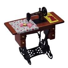 1/12 báscula Vintage máquina de coser en miniatura con tela para decoración de casa de muñecas muebles juguetes casa de muñecas al por mayor #20