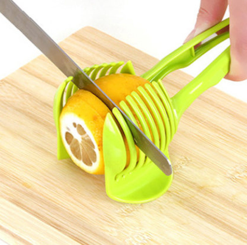 1PC Plastic Green Manual Slicers Tomato Slicer Fruits Cutter Tomato Lemon Cutter Assistant Cooking Holder Kitchen Tool
