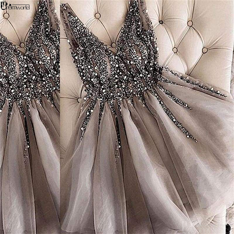 Sparkle Crystal Beaded Cocktail Dresses Gray Homecoming Dress V-neck Sexy Shiny Mini Short Prom Dress 2019 Abiye Vestidos