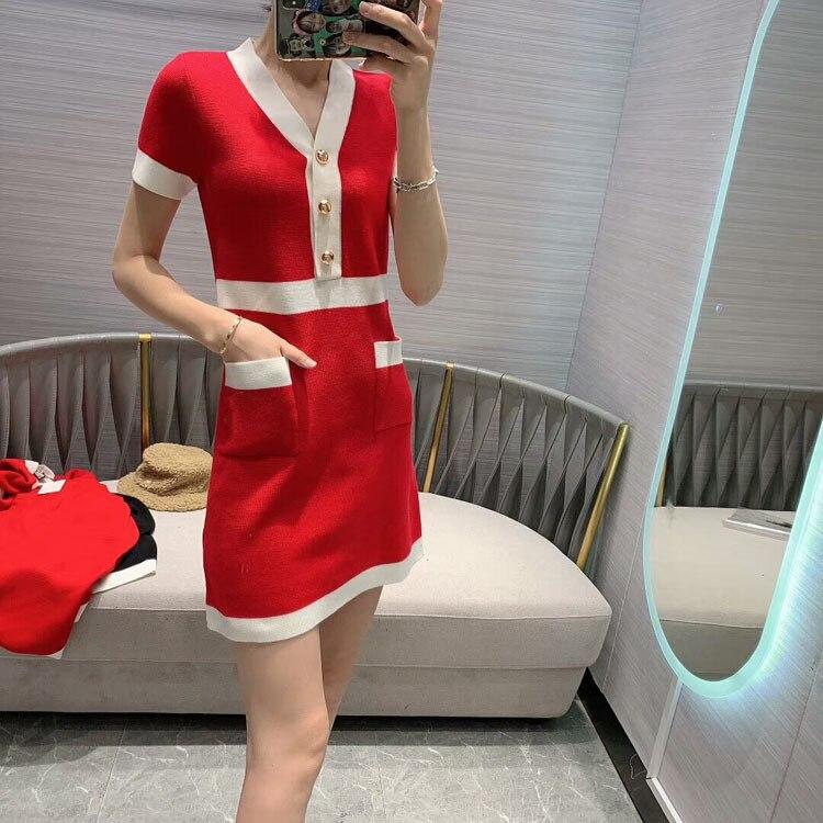 2020 All'inizio della Primavera delle Donne Nuovo Modello di Modo Girly Stile di Cucitura di Colore Con Scollo A V Vestito Di Natale 2 Colori Red & Black - 2