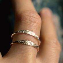 Anel de noivado da cor do ouro do vintage do anel do signet do sol dainty empilhamento midi anéis de casamento para a jóia minimalista feminina