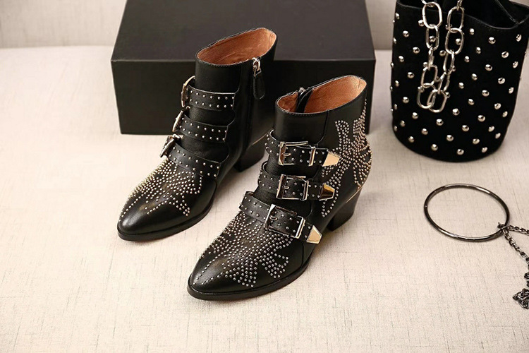 Personality Rivet Boots Coarse With Genuine Leather Sharp Small Locomotive Ankle Boots