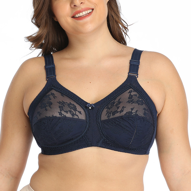 Plus Size Wireless Minimizer Bra 6