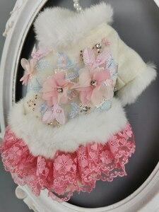 Image 4 - Ücretsiz kargo el yapımı köpek giysileri yün Pet Coat köpek elbise yapay tavşan kürk yaka kristal çiçekler kedi giysileri Yorkie