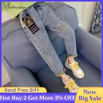 2020 dziewczynek dżinsy moda elastyczna talia dżinsy z dziurami dziewczyny list dżinsy z nadrukami maluch dziecko jeansy ze streczem dziewczyny wypoczynek dżinsy tanie i dobre opinie Liakhouskaya Na co dzień Pasuje prawda na wymiar weź swój normalny rozmiar Elastyczny pas Unisex Dzieci Proste light