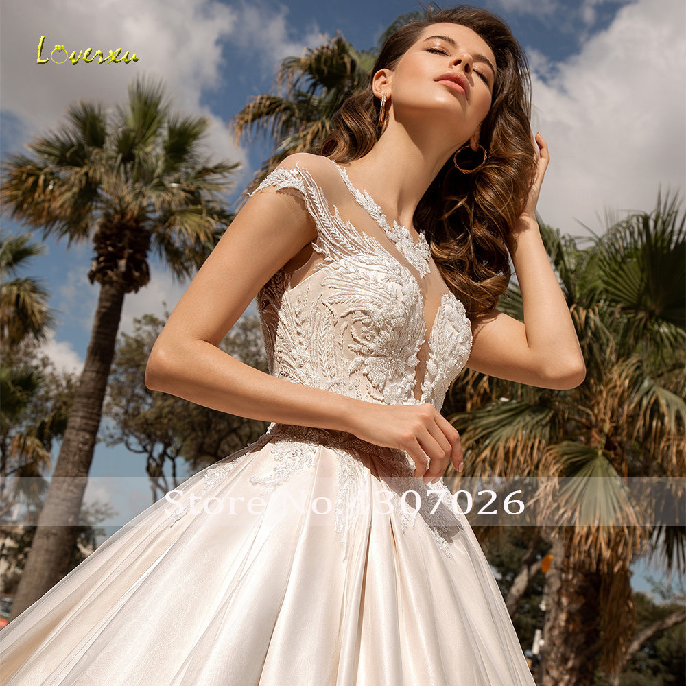 Image 3 - Loverxu Delicate O Neck Ball Gown Wedding Dresses Chic Applique Cap Sleeve Button Bride Dress Chapel Train Bridal Gown Plus Size-in Wedding Dresses from Weddings & Events