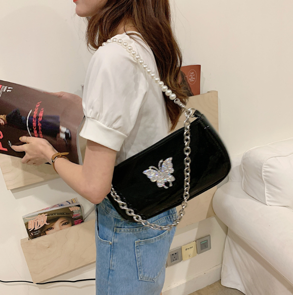 Fashion Women Small Bag Baguette  Girl Messenger Shoulder Bag Chain Patent Butterfly Zipper  Female  Pearl Cute Bag  Butt56