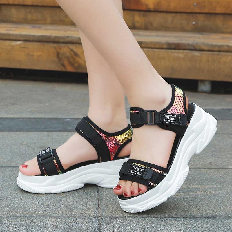 Fujin Musim Panas Wanita Sandal Desain Gesper Hitam Putih Platform Sandal Putih Nyaman Wanita Tebal Sole Pantai Sepatu