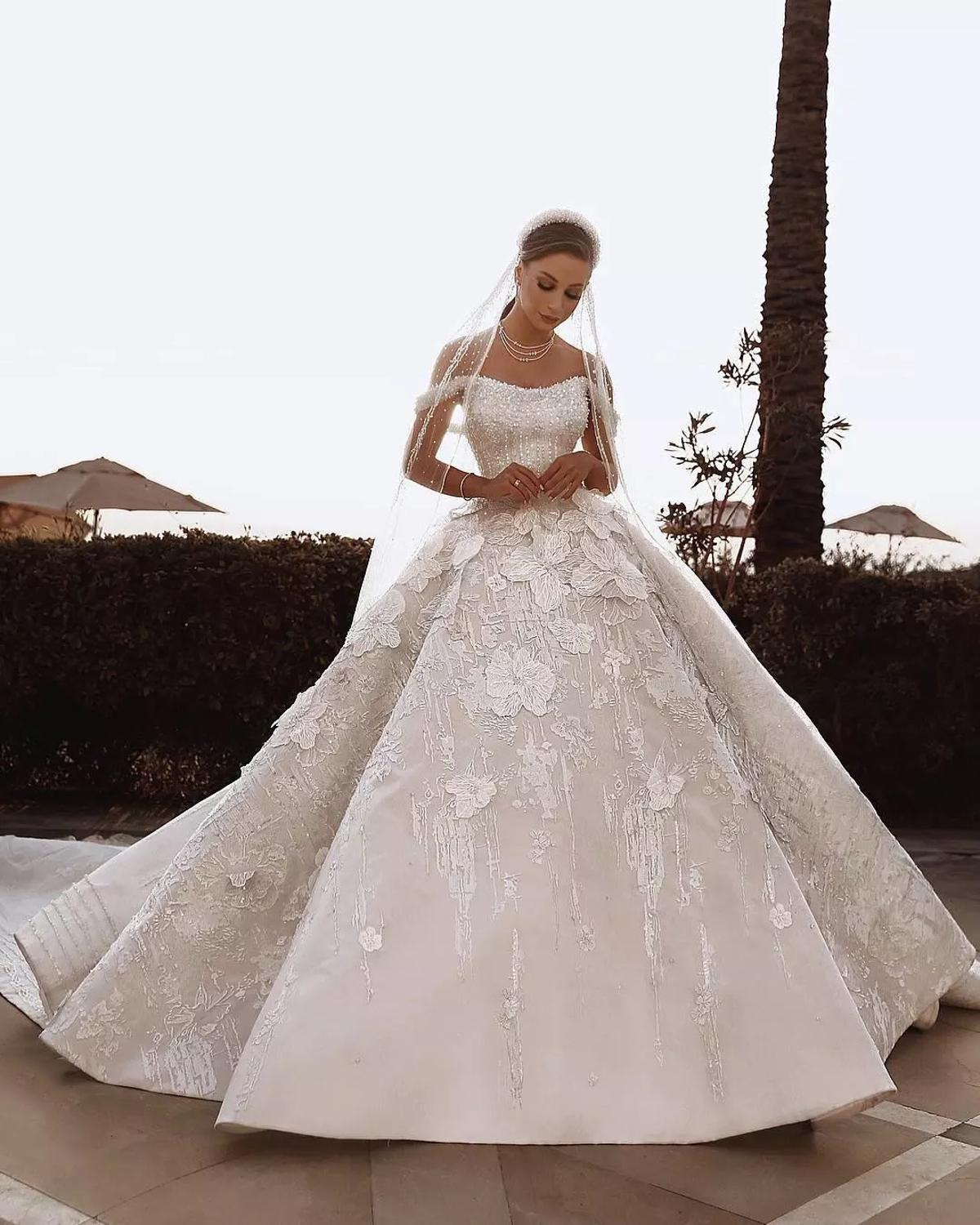 Vestidos De Noiva Luxury A Line Wedding Dresses V Neck Crystal Beading Bridal Gown Beaded Lace