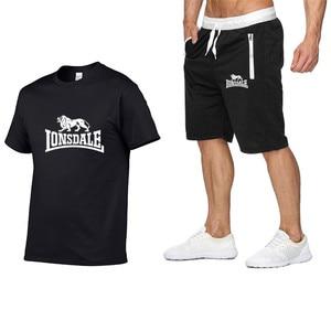 Image 1 - Été hommes ensembles de vêtements de sport à manches courtes T shirts + Shorts nouvelle mode décontracté hommes ensembles Shorts + 2 pièces T shirts