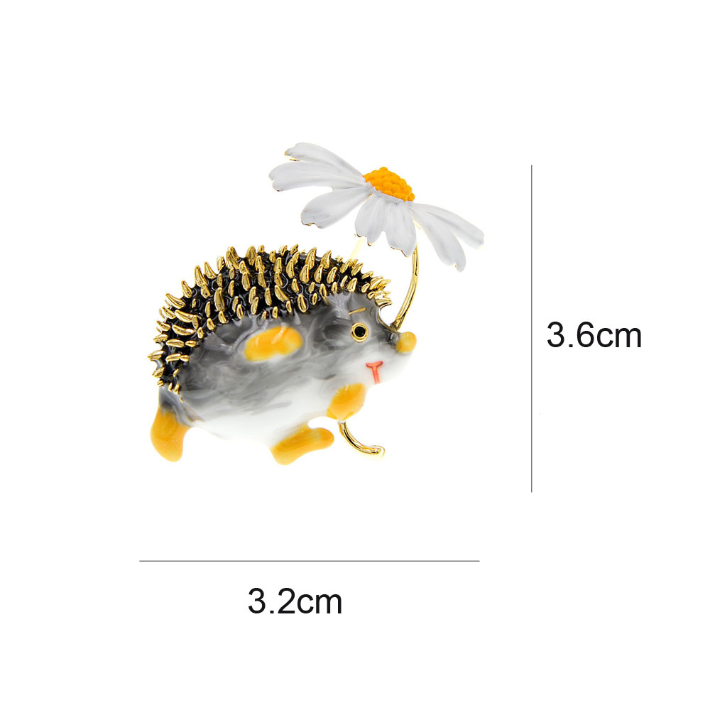 Cute Hedgehog Brooch Fashion Daisy Brooches For Women Animal Jewelry Funny Winter Design High Quality New CLOVER JEWELLERY