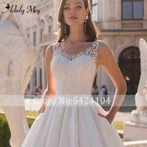 Image 5 - Adoly Mey Design Charming V ausschnitt Taste Satin A Line Hochzeit Kleid 2020 Luxus Perlen Appliques Gericht Zug Vintage Hochzeit Kleid