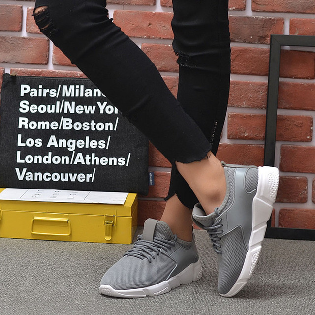 Men's Casual Shoes 2020 New Men's Sports Shoes Light Comfortable Casual Fashion Belt Fitness Mesh Flat Shoes Sneakers 1