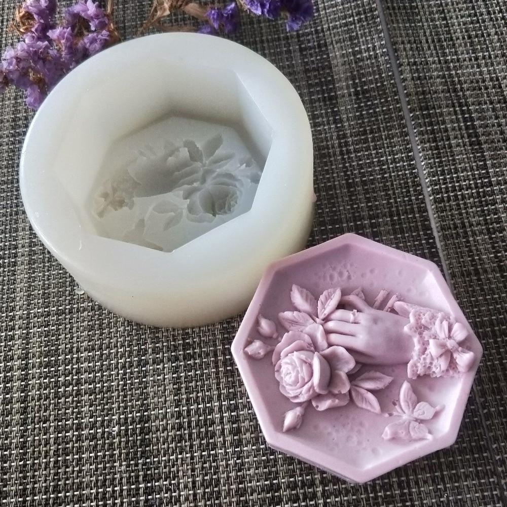 Moldes de sabão segurando flores borboleta silicone