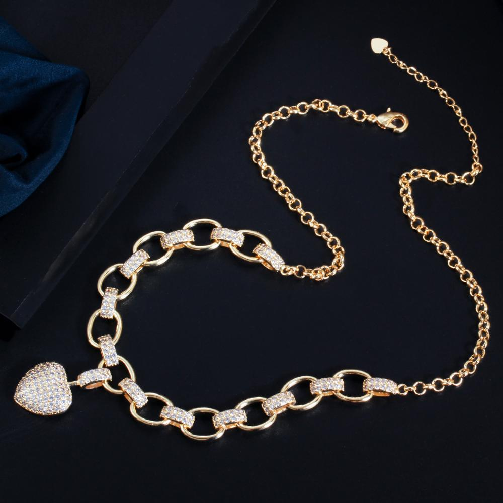 1 necklace