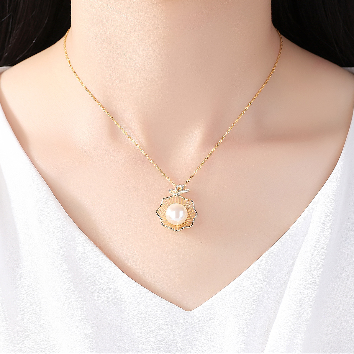 Pure Silver Clavicle S925 Necklace Natural Freshwater Pearl Electroplated 18K Gold Wholesale Jewelry in Pendants from Jewelry Accessories