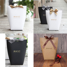 5Pcs Black White Kraft Paper Bag Bronzing French Merci Thank You Gift Box Package Wedding Party Favor Candy Bags with Ribbon
