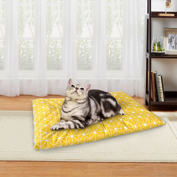 Soft and Warm Pet Beds for Puppies and Kittens Useful in Winter Suitable for Good Sleeping Environment