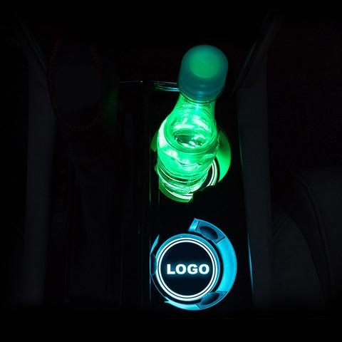 2pcs conduziu a luz do logotipo do carro esteira do copo para dacia daewoo daihatsu