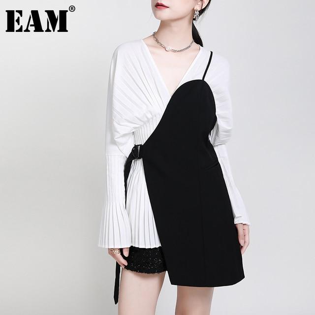 [EAM] Women Loose Fit Black Irrgular Bandage Stitch Vest New V-collar Sleeveless   Fashion Tide Spring Autumn 2021 1DA977 1